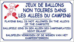 Jeux de ballons non tolérés du camping